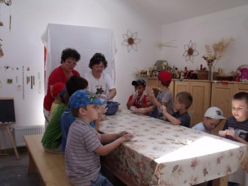 9.Gyermekfoglalkozás - sógyúrmázás